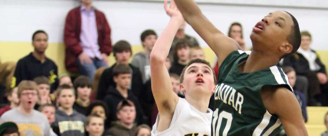 FCHS boys knocked out of regional basketball tourney