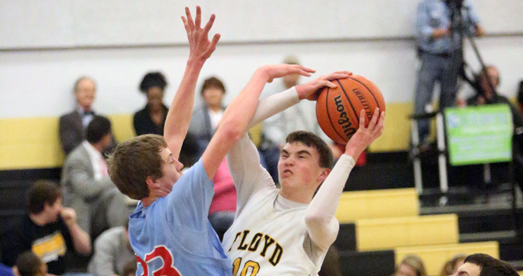 Tanner's 38 points paces Floyd County's win against Giles