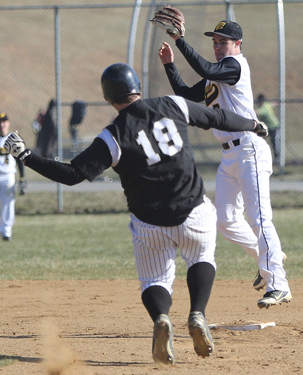 Floyd County's varsity baseball team notches win over Fort Chiswell