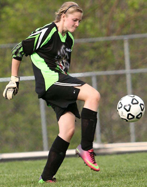 Soccer teams close out home seasons