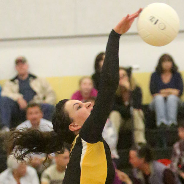 FCHS volleyballers close out home season