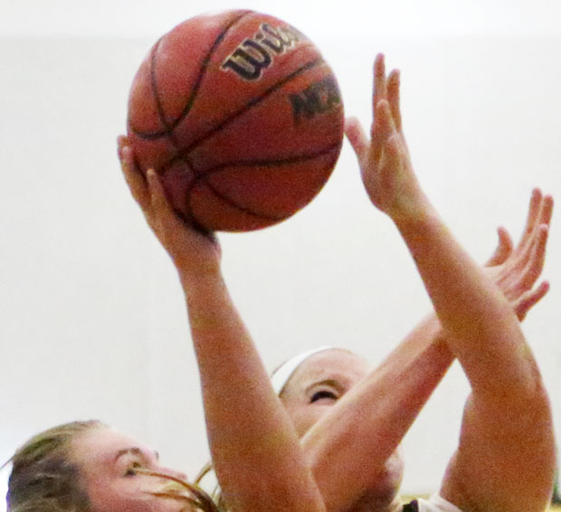 FCHS girls win, boys lose in basketball action