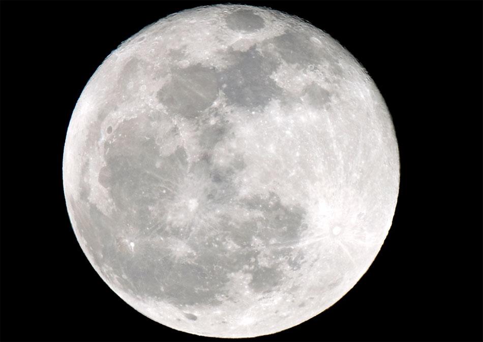 An April Spring moon