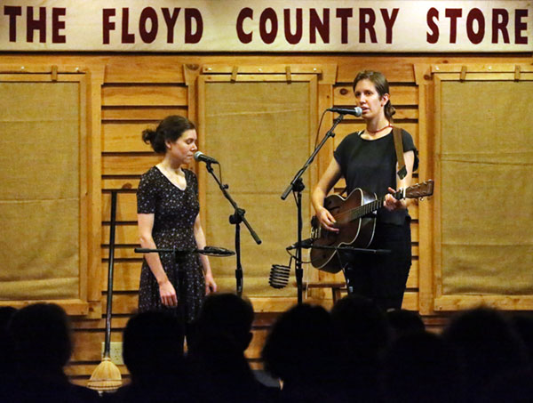 Anna and Elizabeth back on stage in Floyd